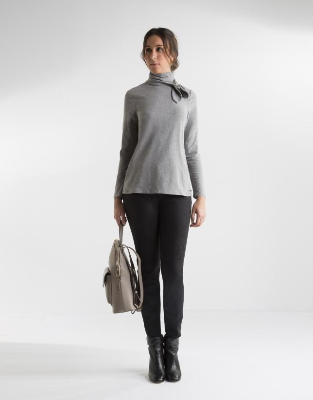 Grey t-shirt with decorative collar