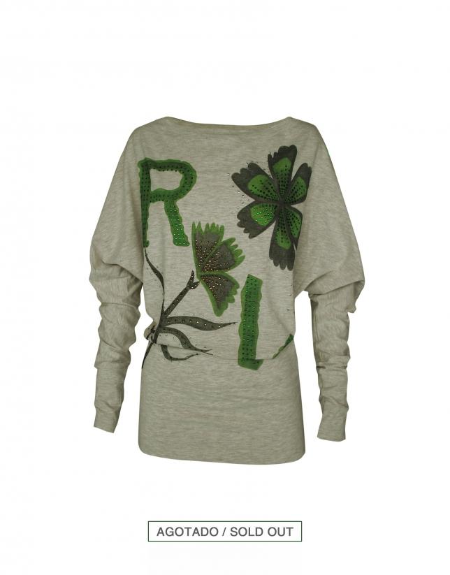 Camiseta gris logo RV y flores en verde