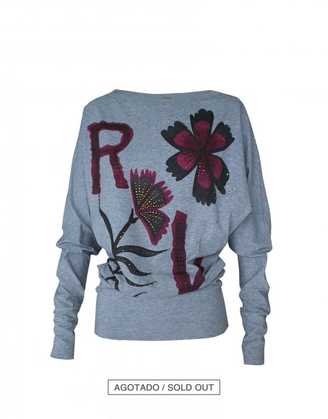 Camiseta gris logo RV y flores en burdeos