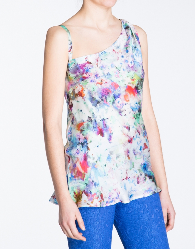 Top long motif floral, coupe asymétrique.