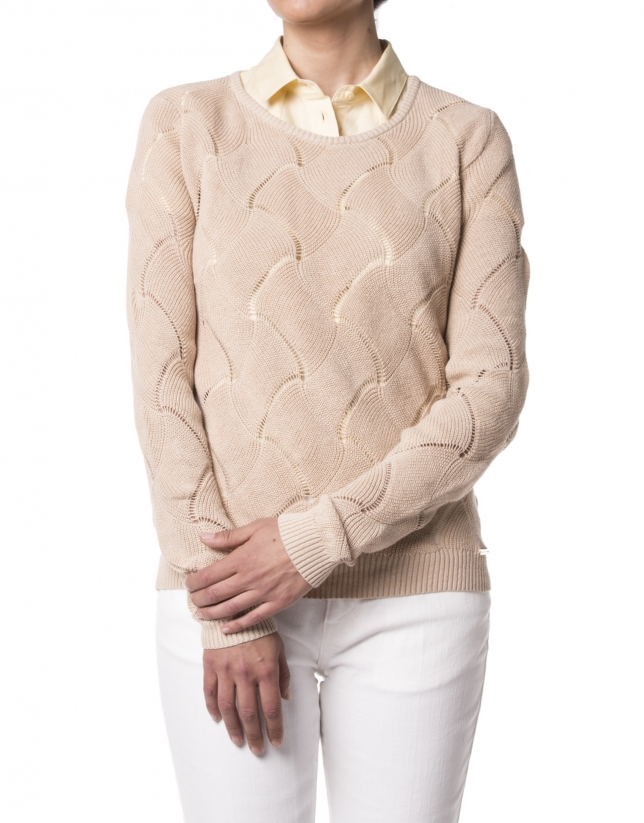 Camel sweater with design