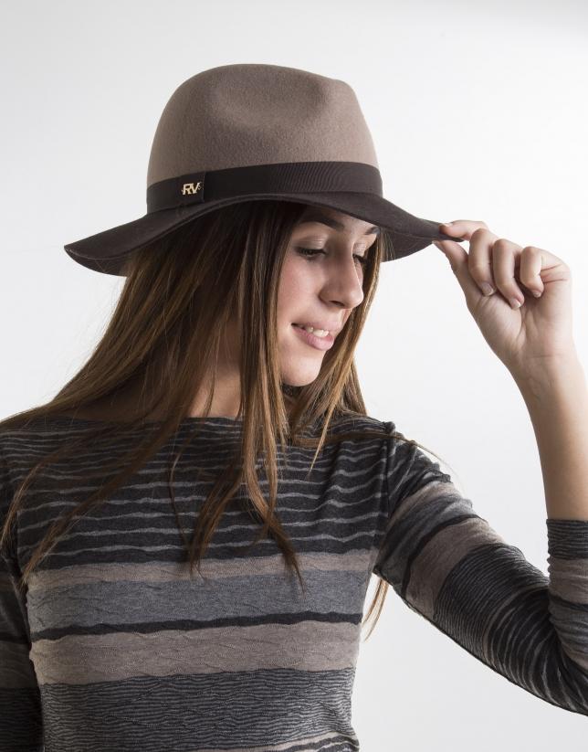 Chapeau bicolore couleur taupe et marron