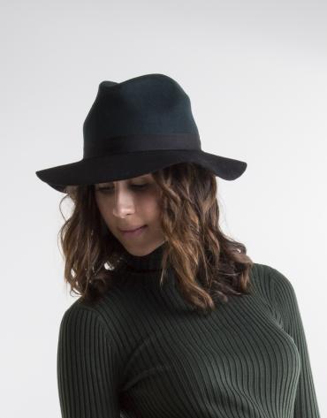 Sombrero bicolor verde y negro