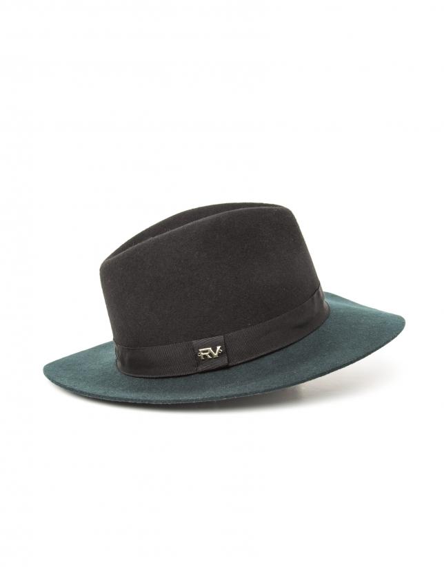 Chapeau bicolore noir et vert