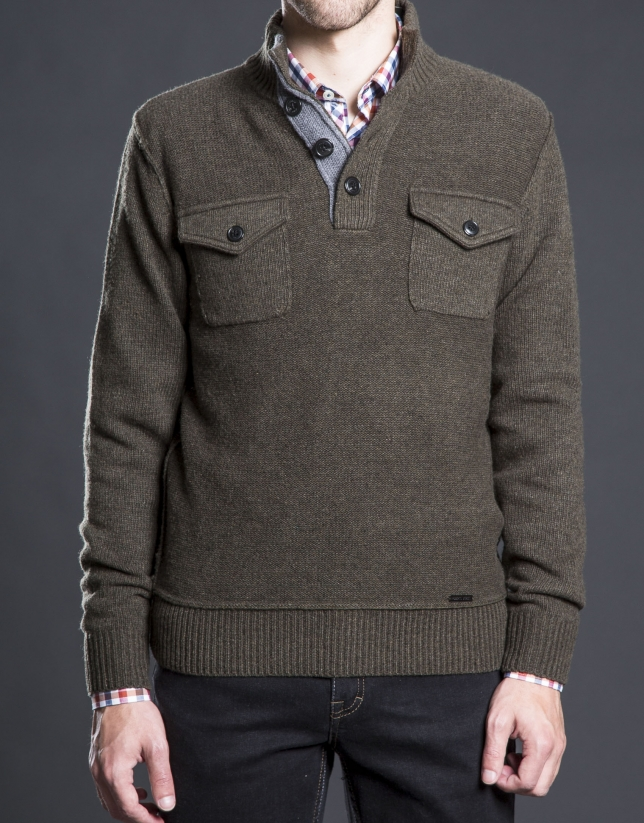 Khaki turtle neck sweater with pockets