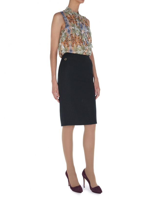 Print crepe top with bow at neck