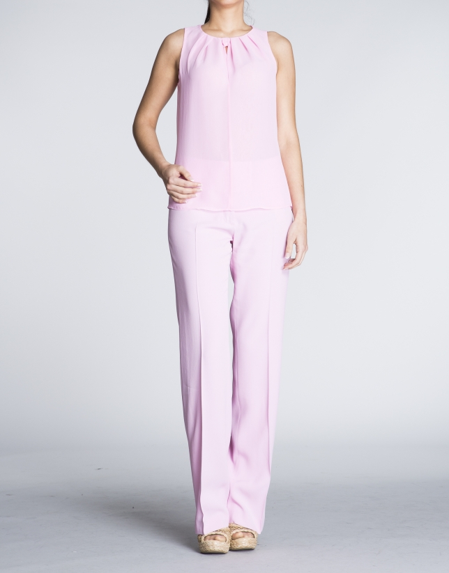 Sleeveless pink top