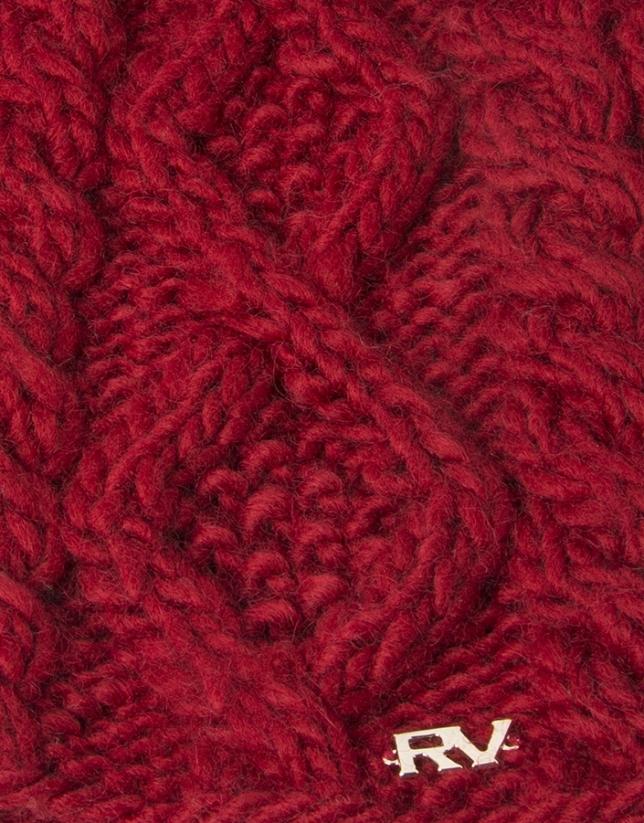 Bonnet à pompon en laine rouge