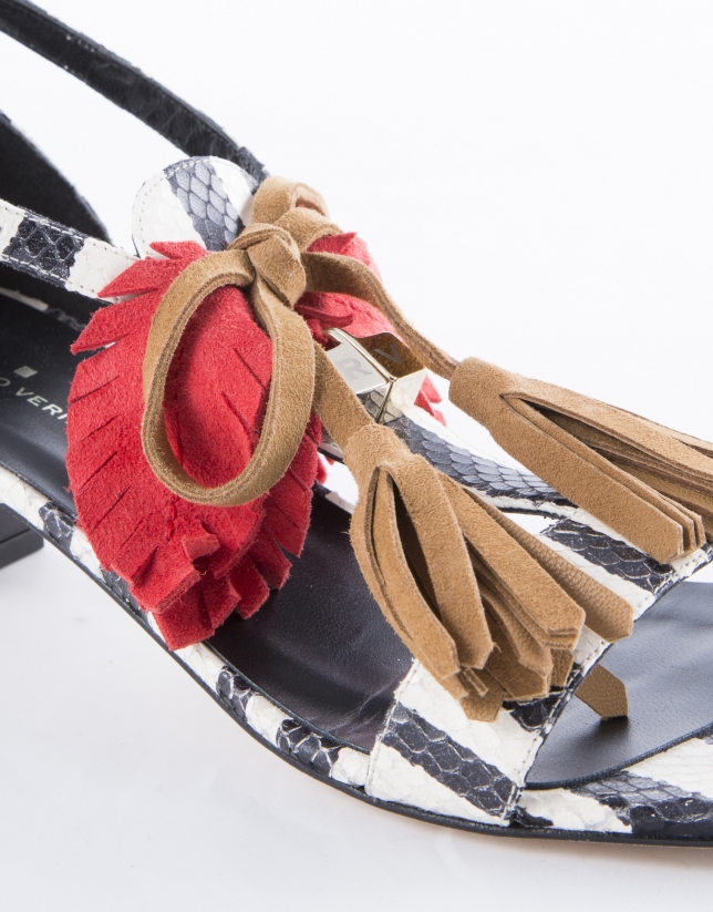 Black and white striped leather Roma Bahía sandals with fringe and coral and camel ribbon