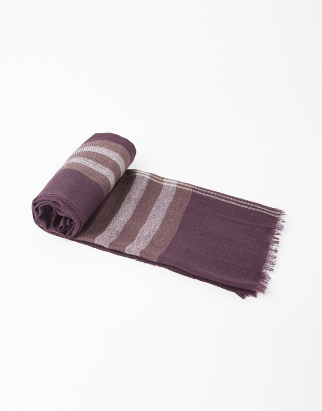 Burgundy and beige checked scarf