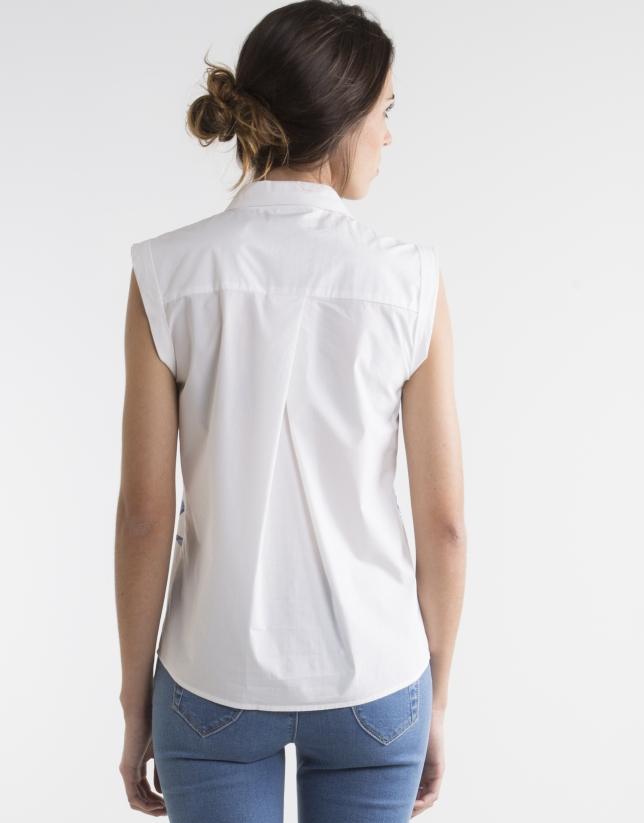 Camisa blanco crudo estampado azul