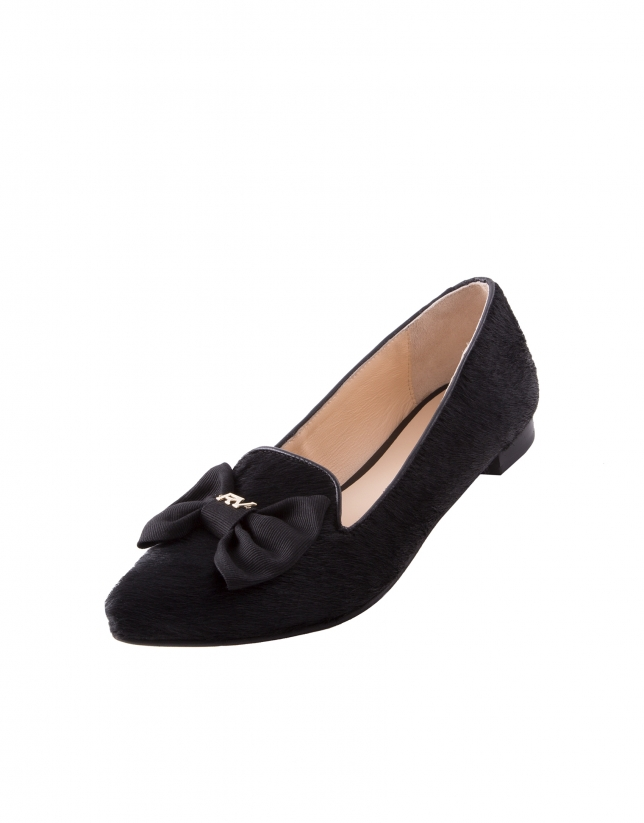 Lisboa Lazo black fur pointed moccasins