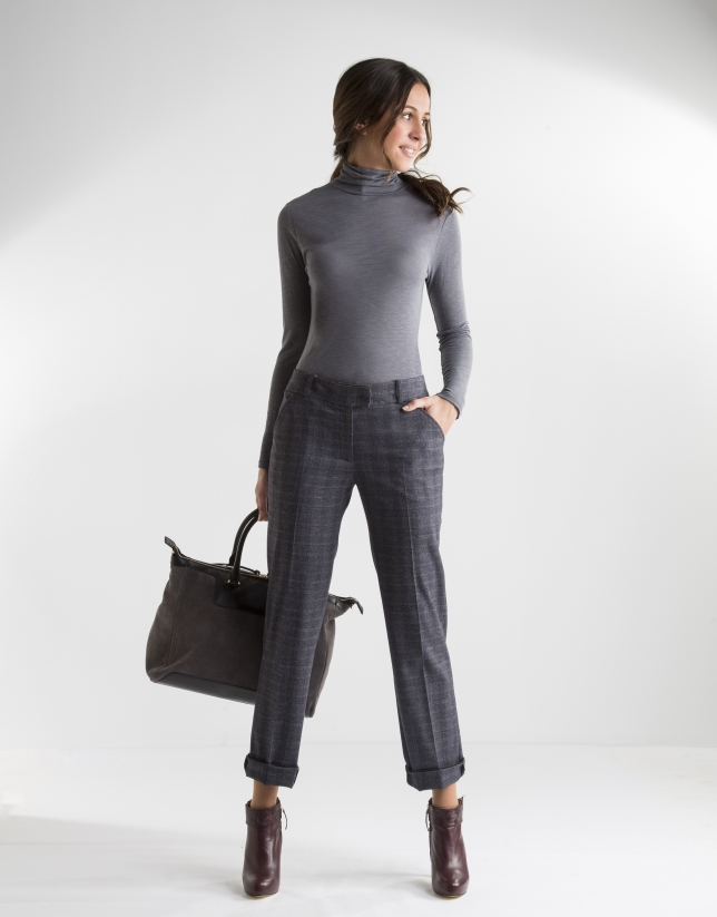 Grey t-shirt with turtle neck