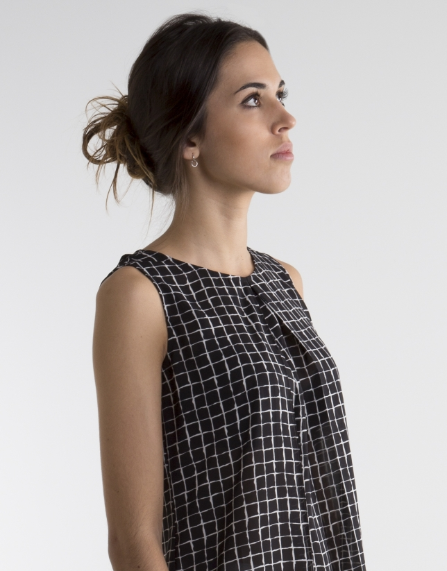 Black checked top with pleats