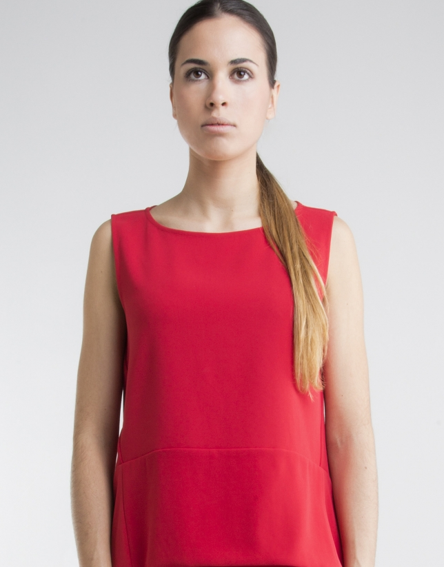 Top rouge coupe trapèze
