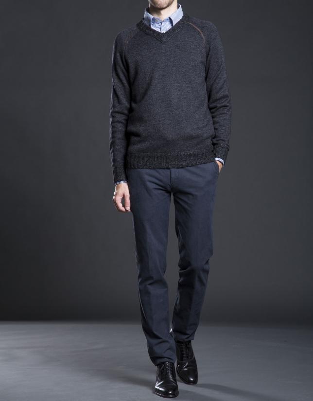 Gray raglan sleeve V-neck sweater