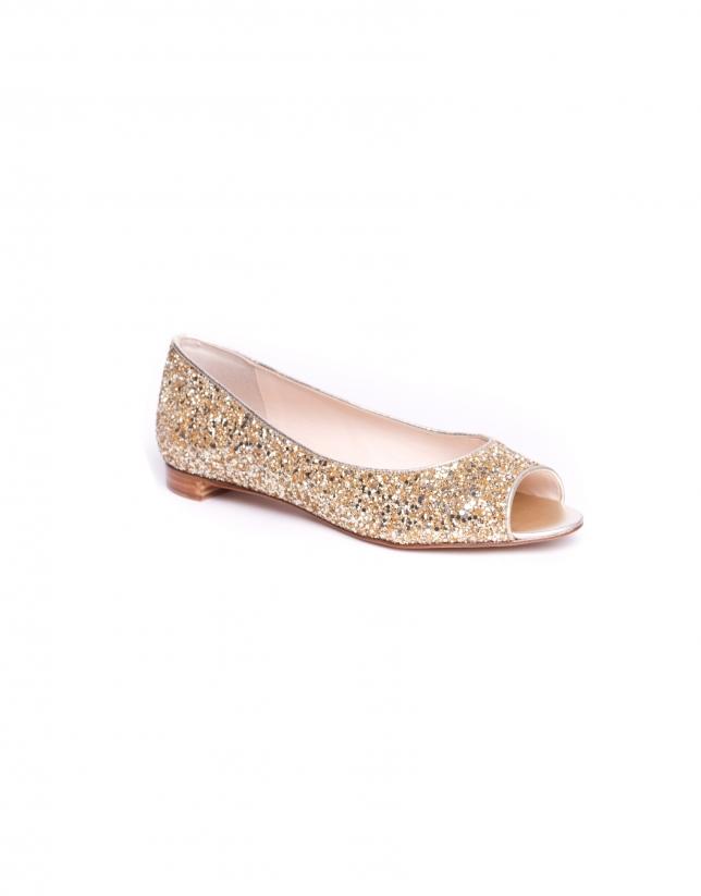 PARIS: Gilded glitter ballerinas