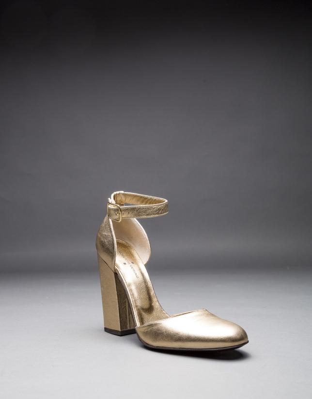 Zapato Aberdeen en napa dorada