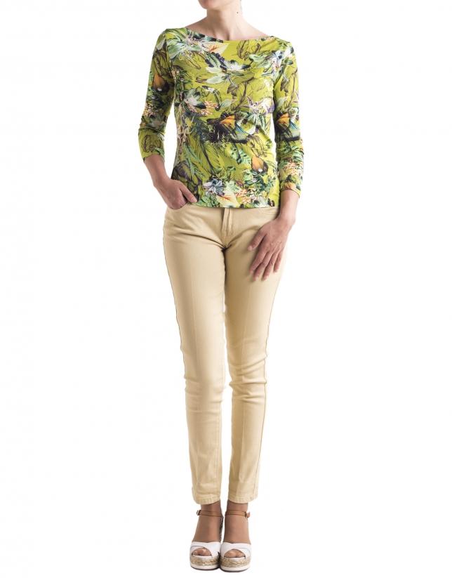Camiseta floral verdes base blanca manga larga