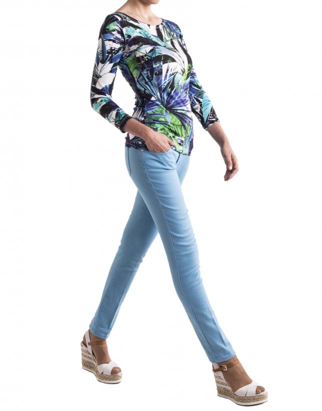 Camiseta floral azules base blanca manga larga