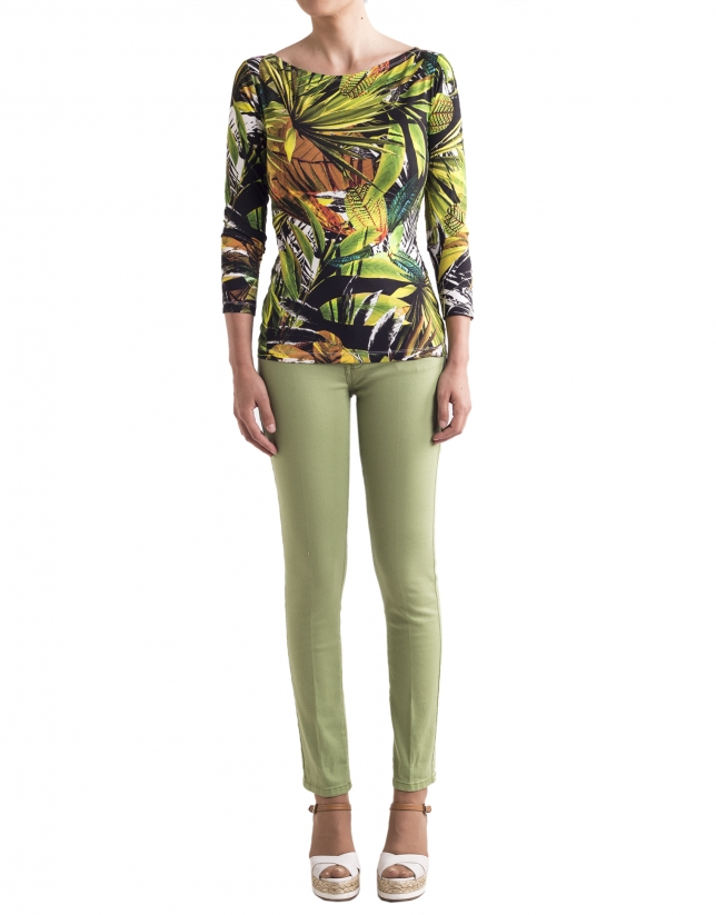 Loose t-shirt with green floral print