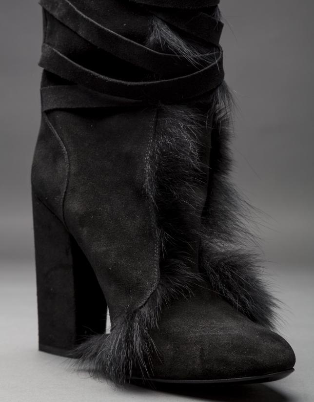 Botte daim noir et fourrure renard.