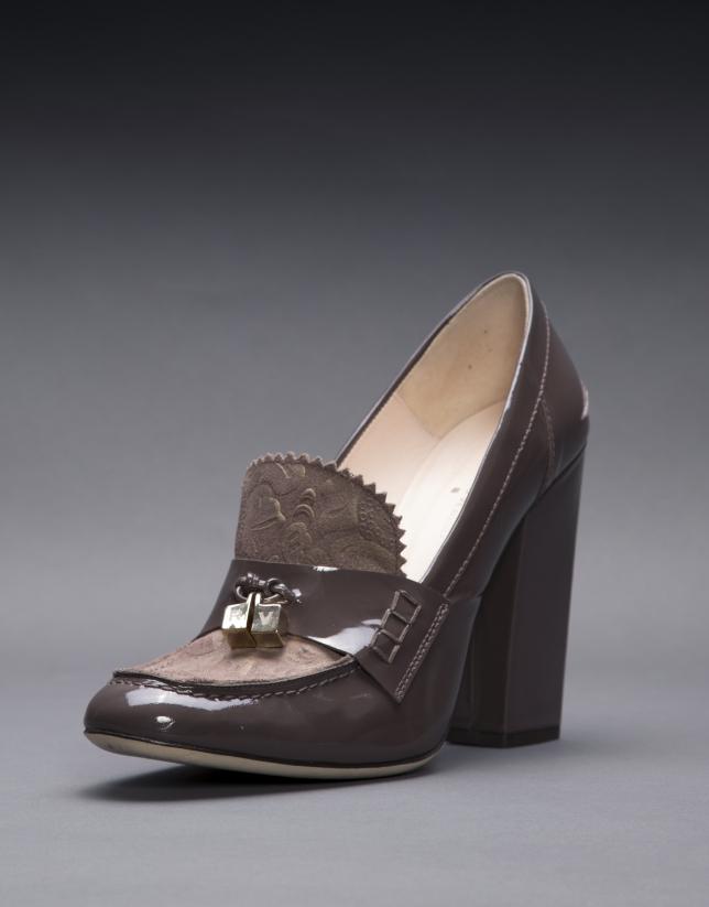 Zapato Berna en charol topo y piel  brocada metalizada