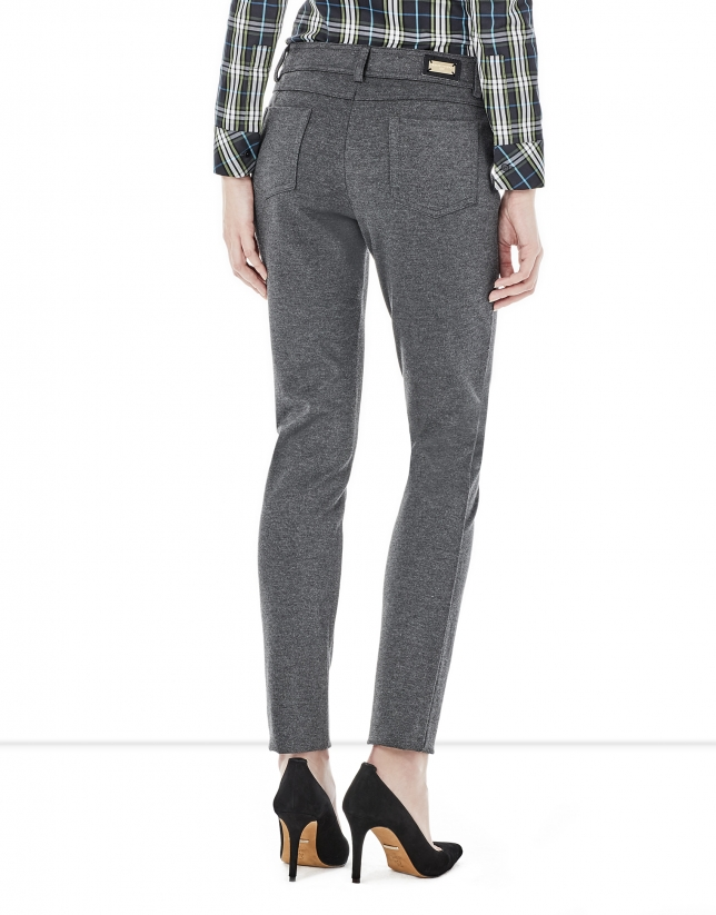 Grey pants with 5 pockets
