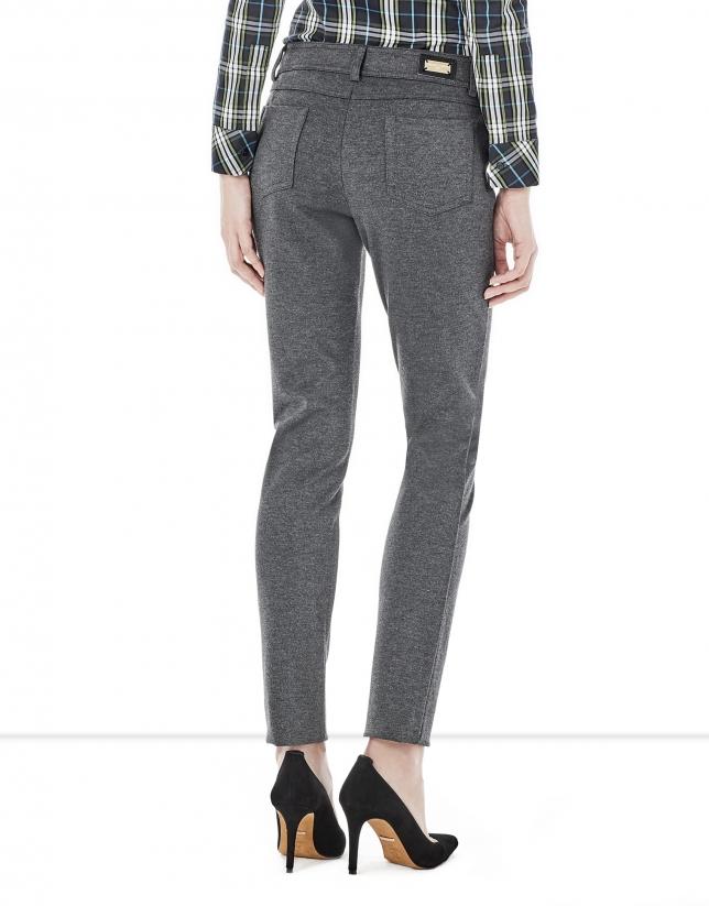 Pantalón 5 bolsillos gris