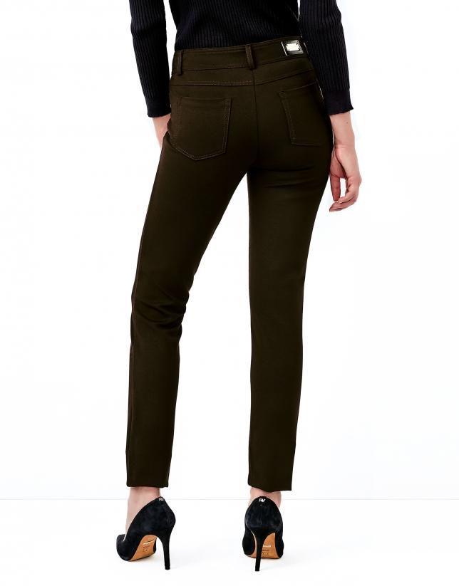 Pantalón 5 bolsillos marrón