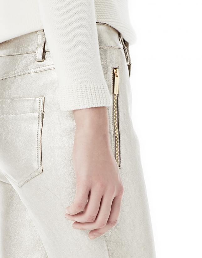Pantalón pitillo dorado