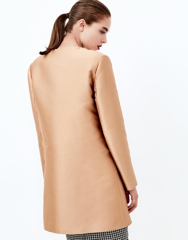 Abrigo corto oro