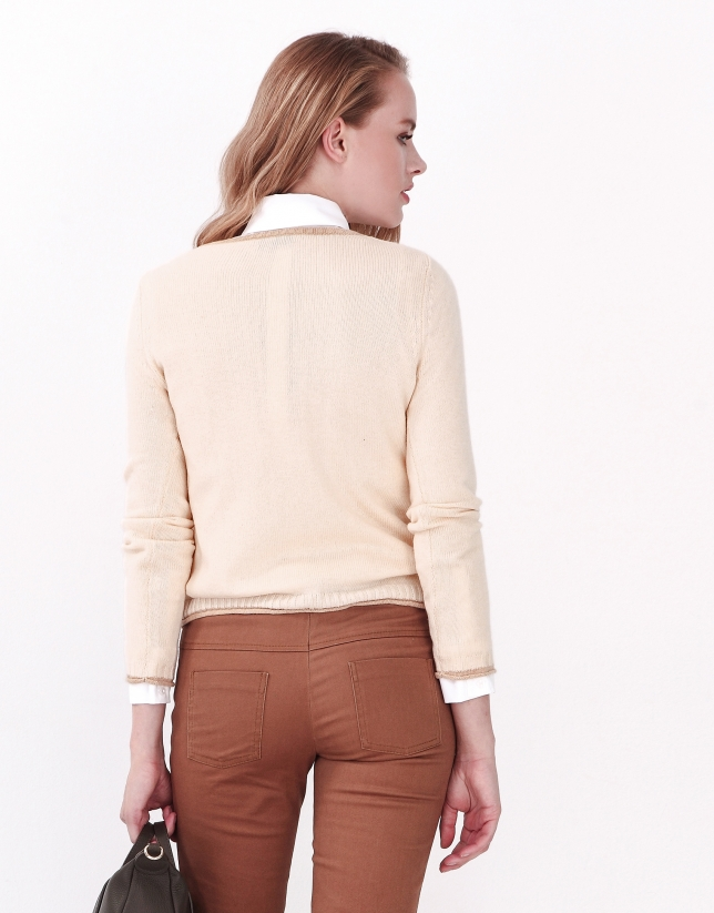 Off white sweater with pockets