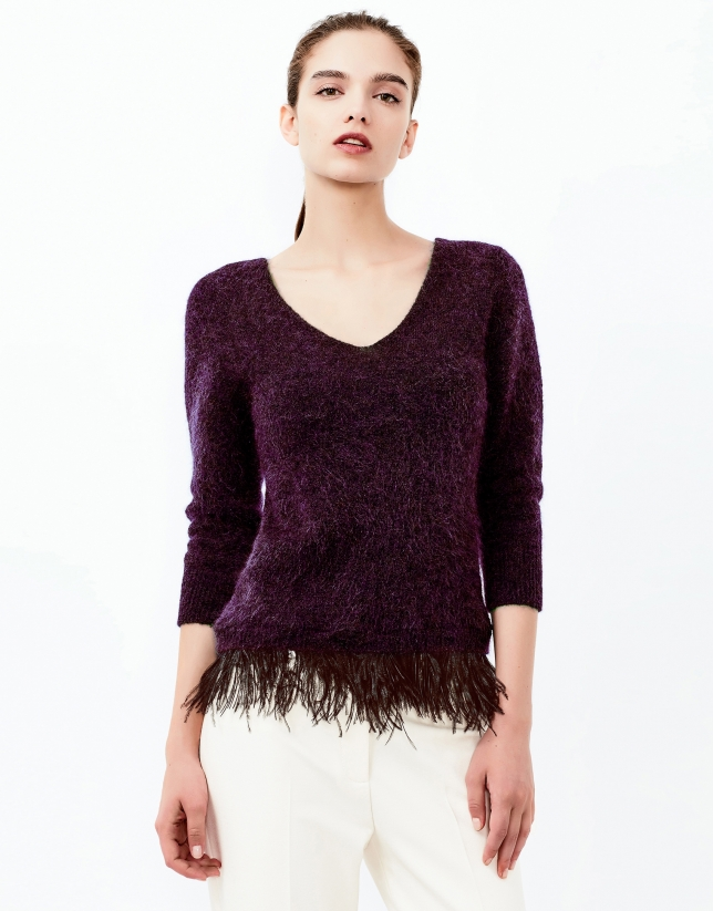 Aubergine sweater with feathers