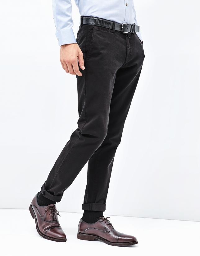 pantalon chino noir pantalons homme roberto verino. Black Bedroom Furniture Sets. Home Design Ideas