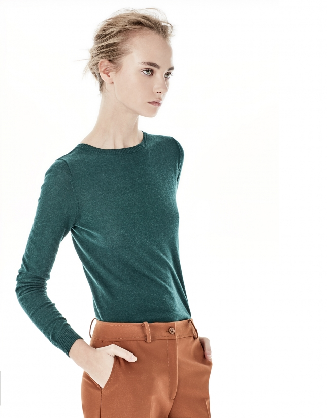 Plain green top