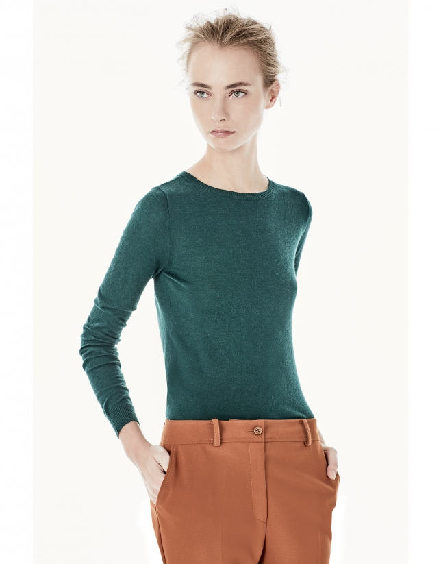 Plain green top