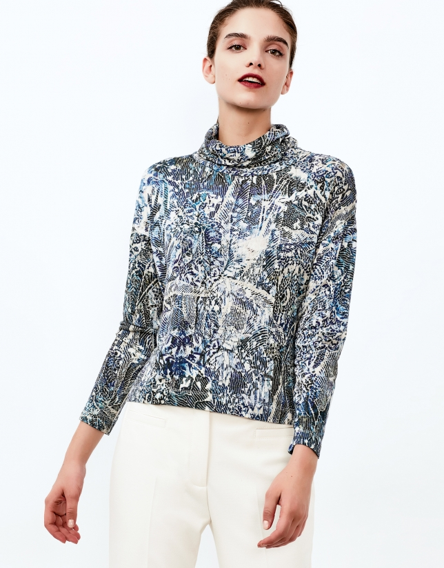 Blue print turtle neck top