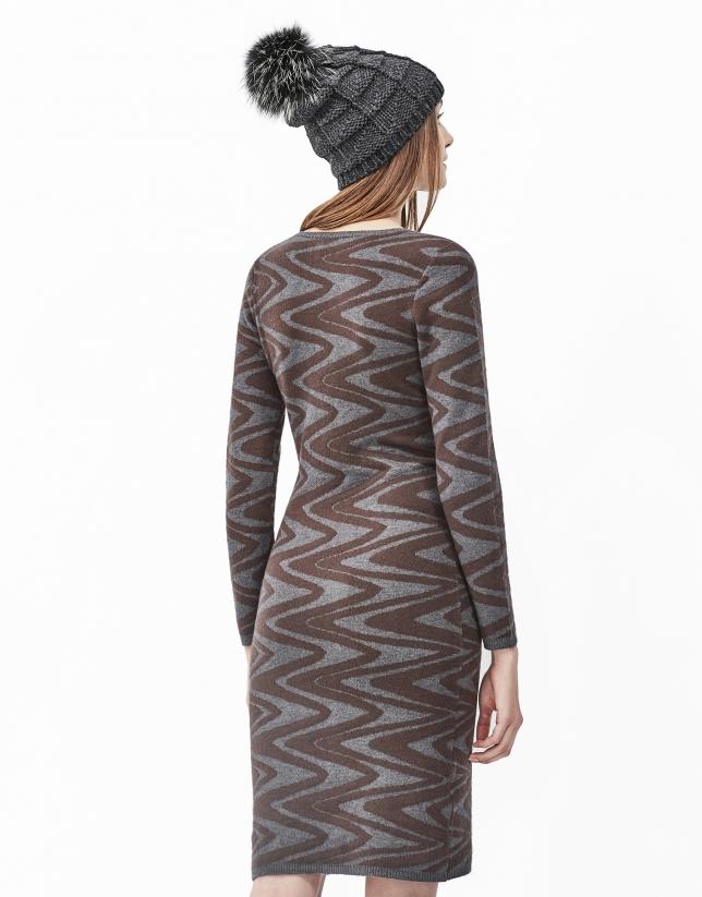 Vestido punto zigzag marrón