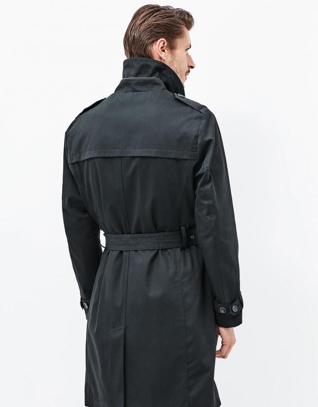 Gabardina negra cinturón