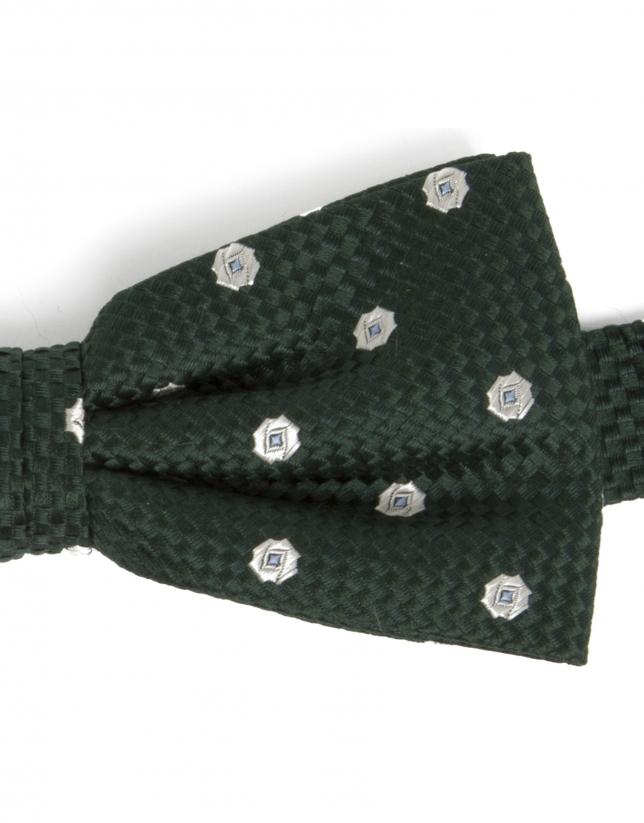 Structured bowtie with flower