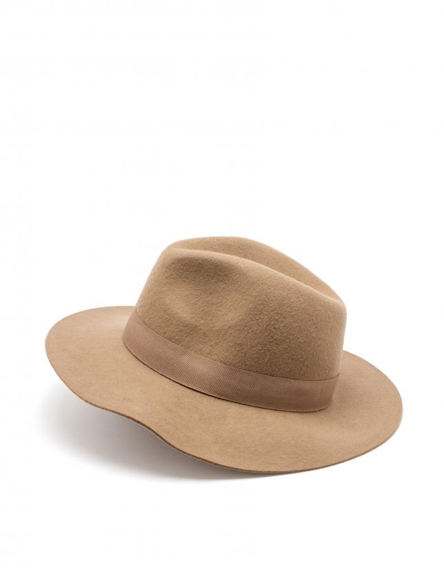 Chapeau camel