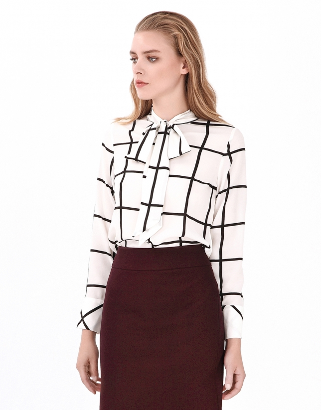 Checked blouse with bow