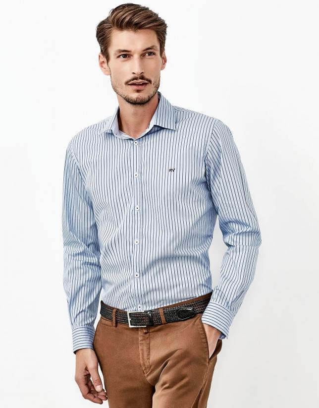 Chemise de costume bleue à raies