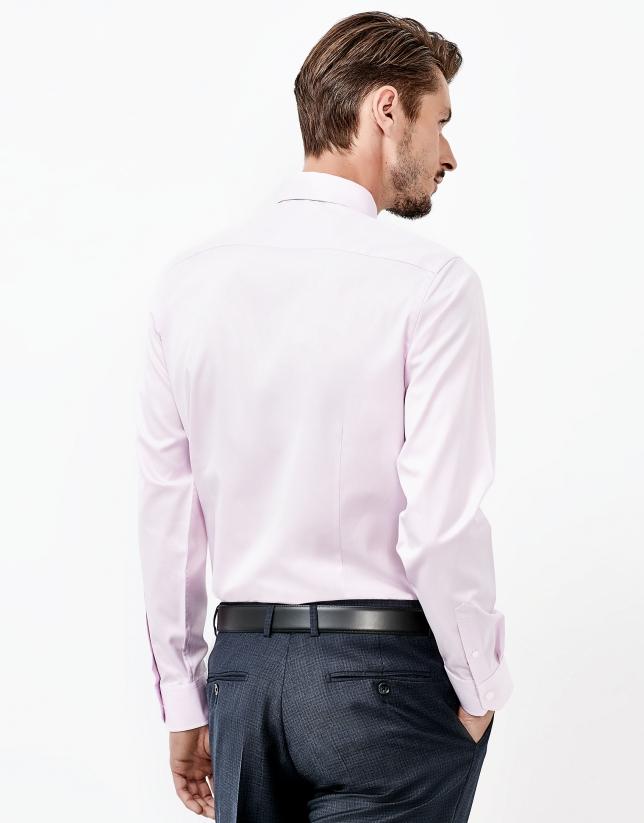 Chemise rose à chevrons