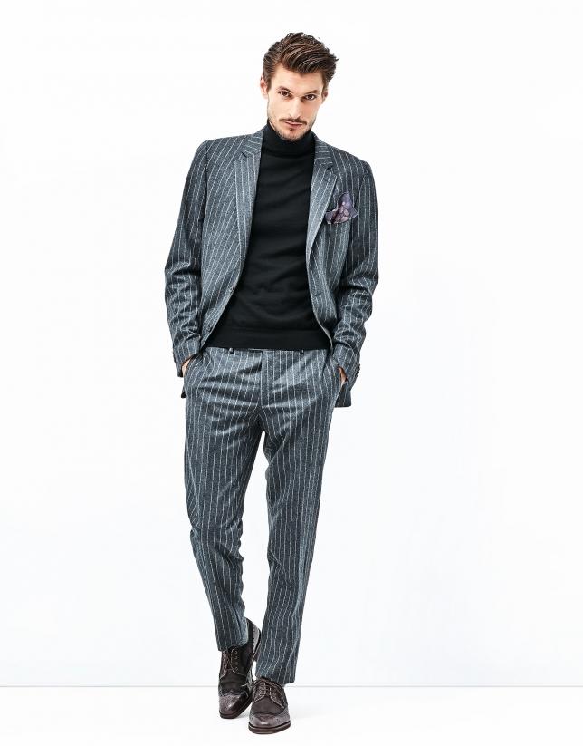 Costume gris à rayures diplomatiques