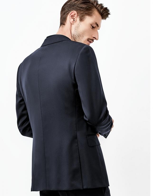 Costume en laine bleu marine