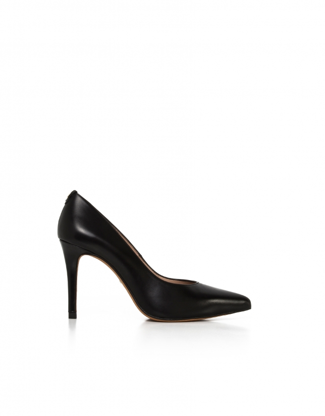 Black Amberes pumps