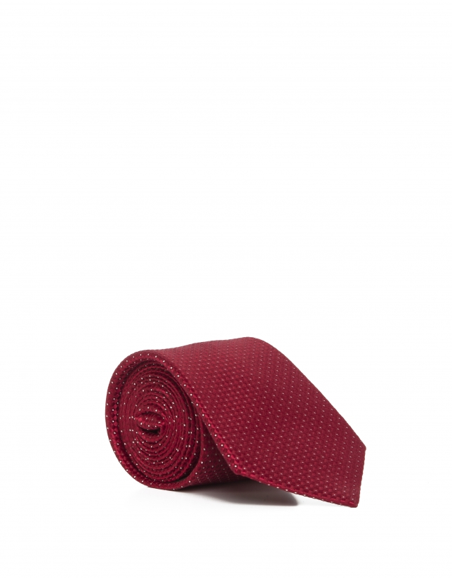 Red dotted tie