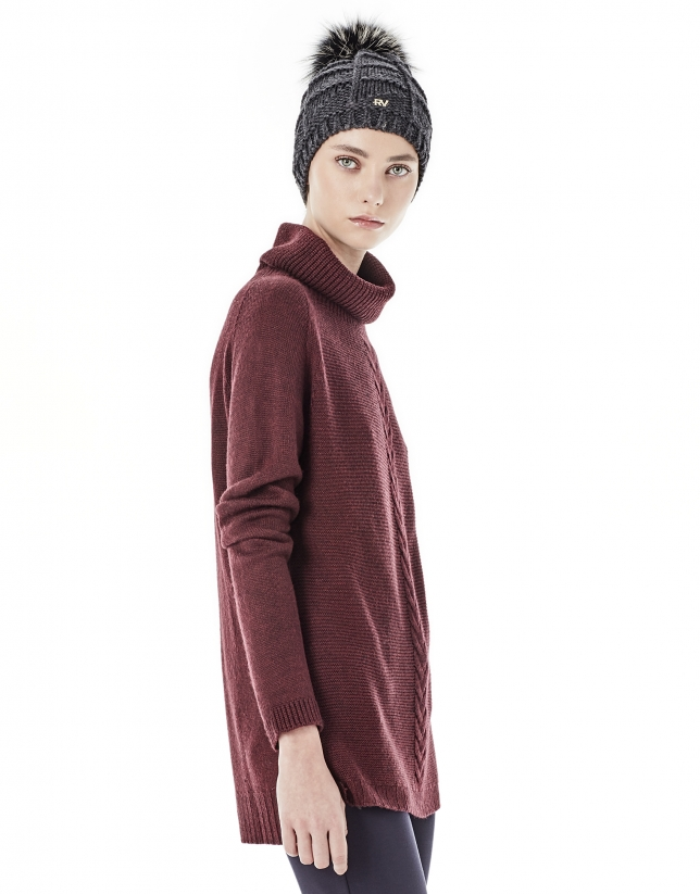 Aubergine sweater with stovepipe collar